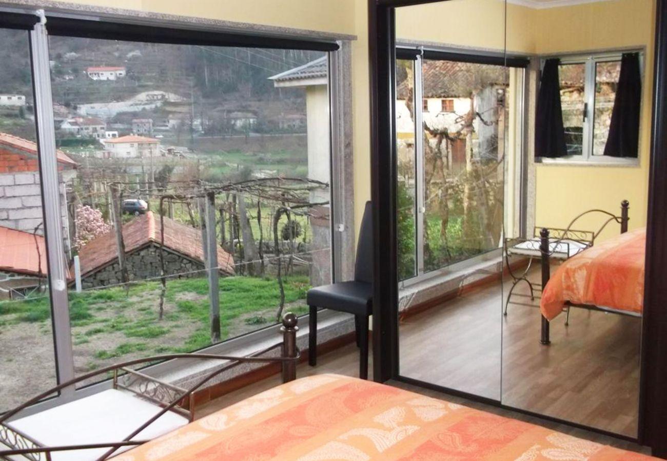Casa rural em Gerês - Casa da Mineira T2