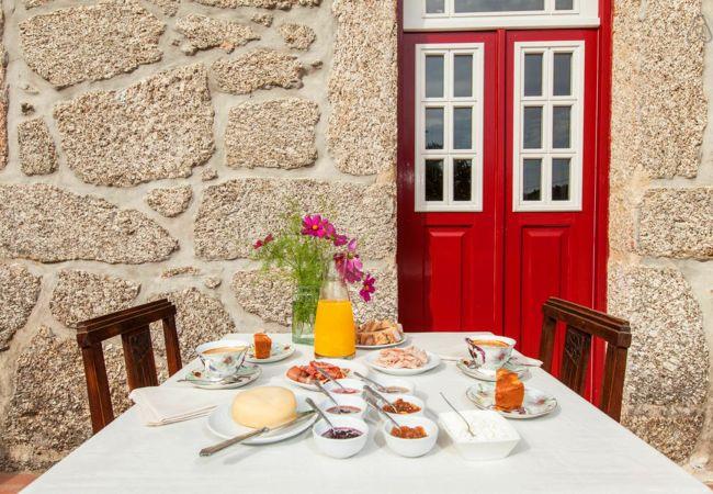 Quarto em Gerês - Quarto Duplo c/ Terraço - Casa do Eido Sustainable