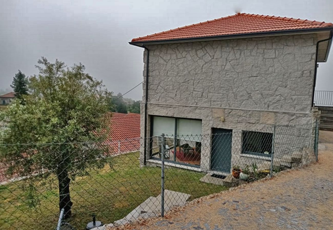 Bungalow em Gerês - T1 Jardim Casa Baranda