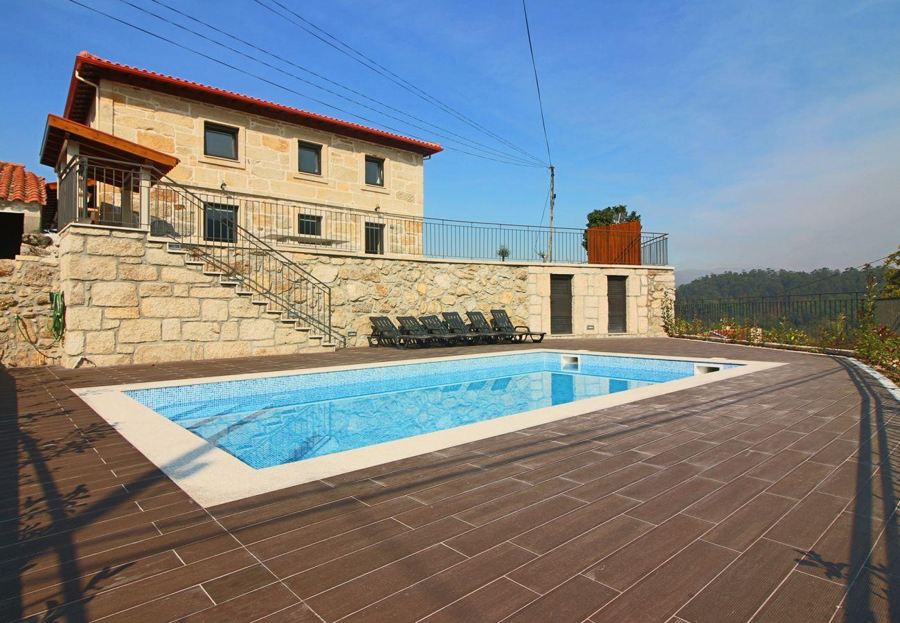 Casa em Terras de Bouro - Casa Alçino - Turismo Rural Peixoto