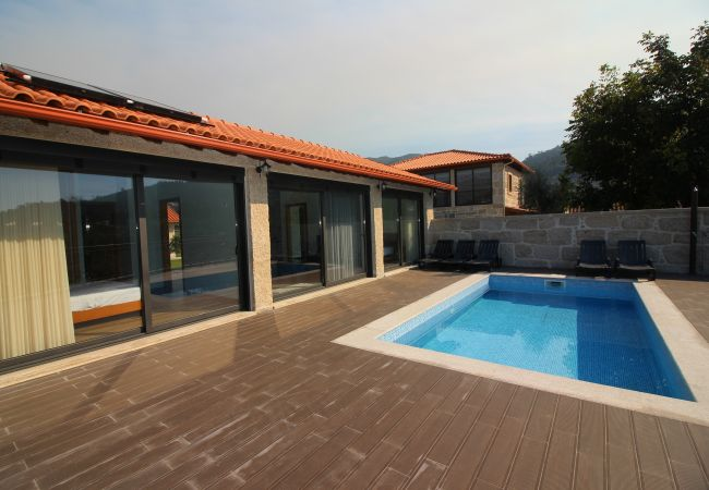 Casa em Terras de Bouro - Casa Ernesto - Turismo Rural Peixoto