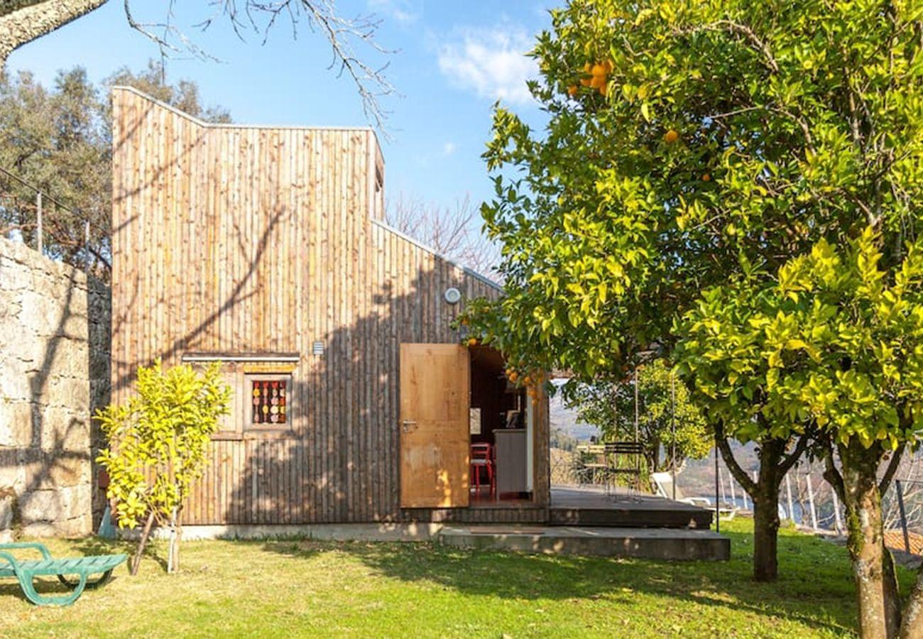 Bungalow em Arcos de Valdevez - Casa da Cerejeira - Casas de Além Ecoturismo