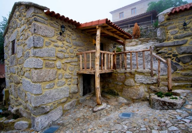 Casas rurais em arcos de valdevez casa da figueira for Casa rural mansion terraplen seis