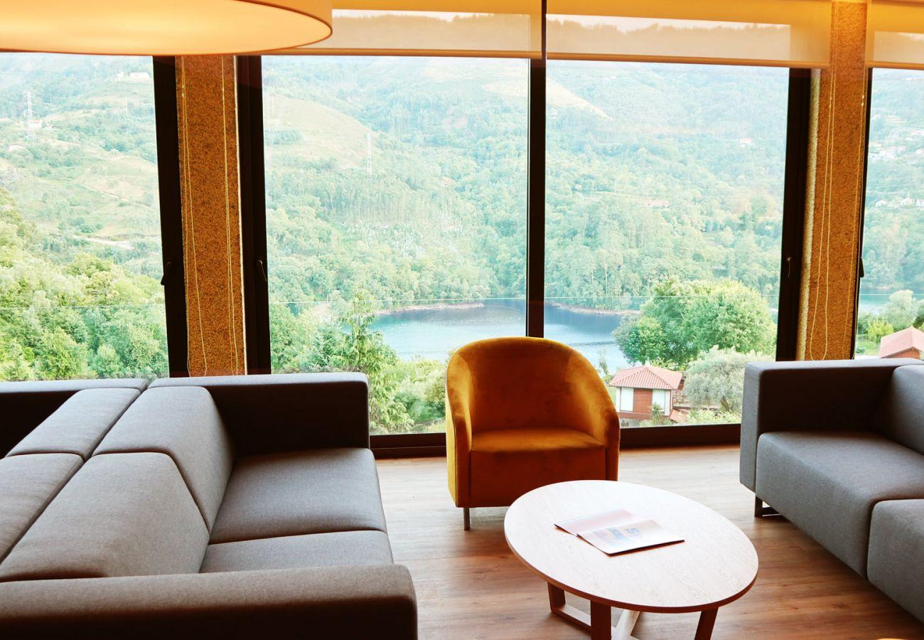 Quarto em Gerês - Suite - Hotel Agrinho Suítes & Spa Gerês