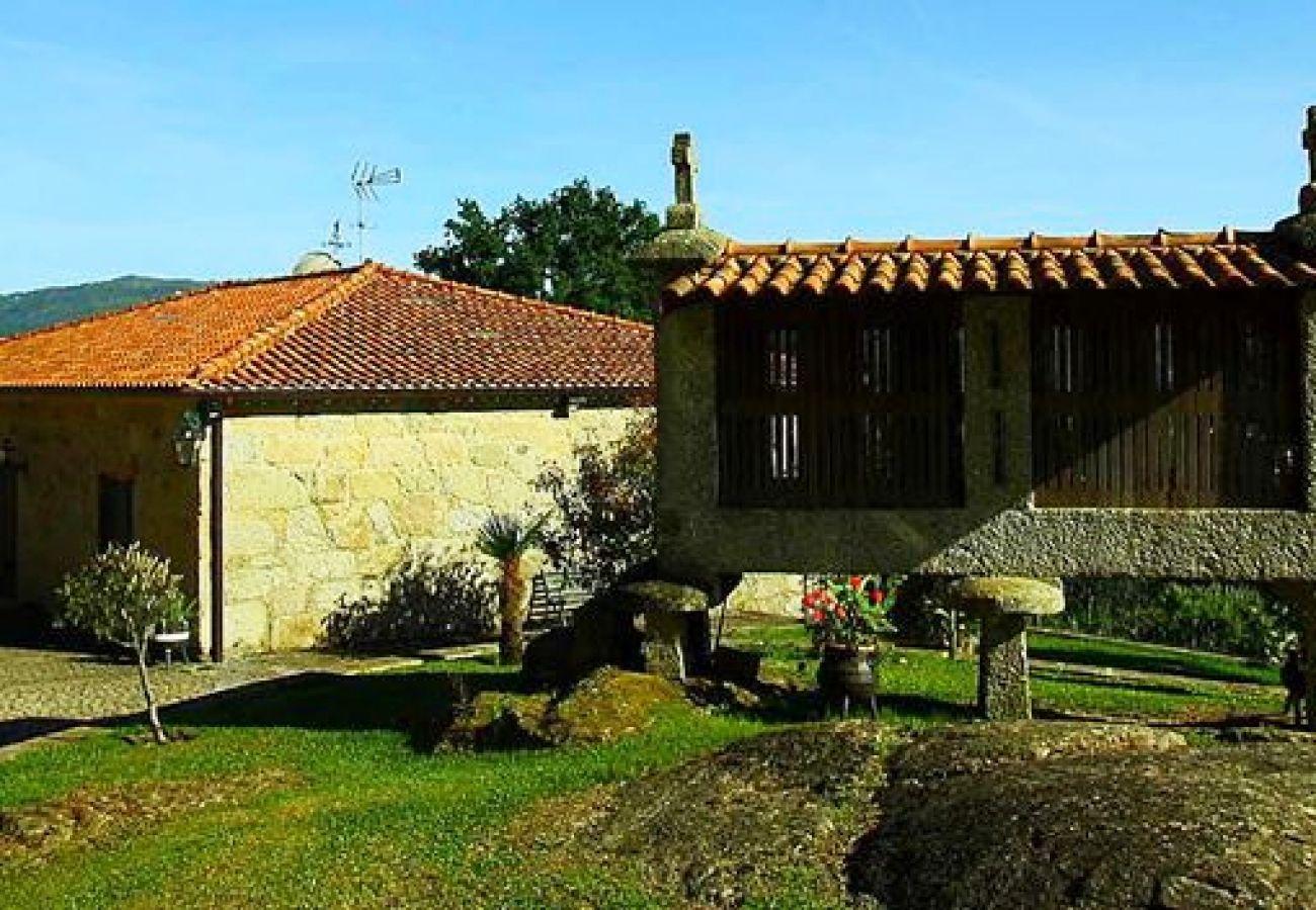 Bungalow in Arcos de Valdevez - Casa do Souto T1 - Quinta do Toural
