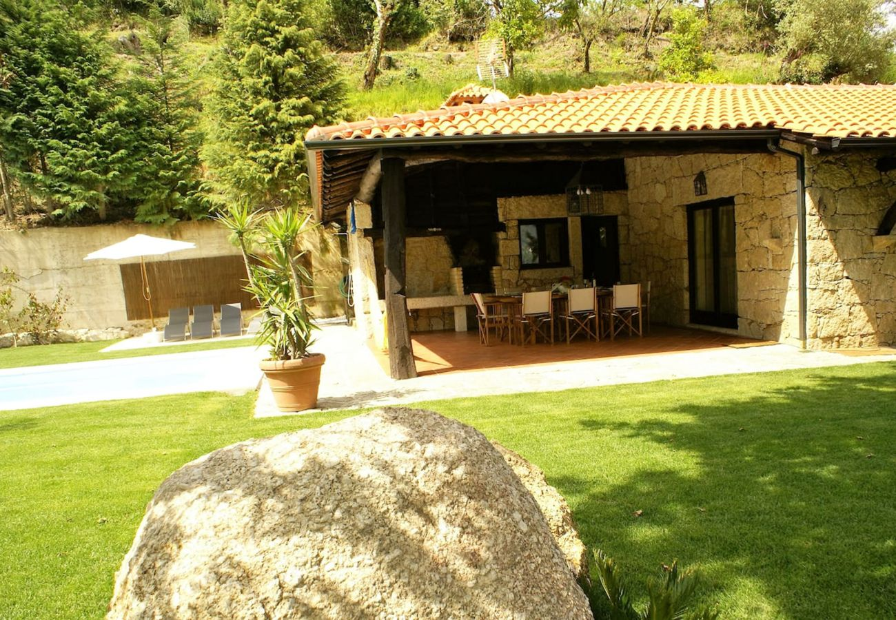 Cottage in Gerês - Casa da Terra