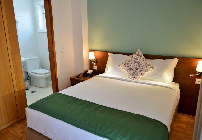 Rent by room in Gerês - Quarto com Varanda - Casa São Bernardo de Claraval
